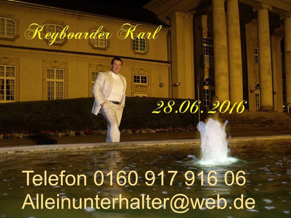 Keyboarder Karl achtet auf sein Image - Das Aussehen ist Teil seiner Visitenkarte