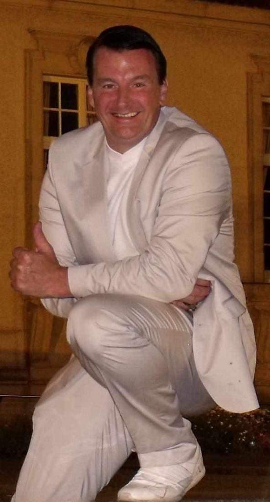 DJ NRW Keyboarder karl ist gerne Hochzeits DJ Köln sowie Hochzeits DJ Aachen und ahc zum Beispiel Hochzeits DJ Düren und Bonn